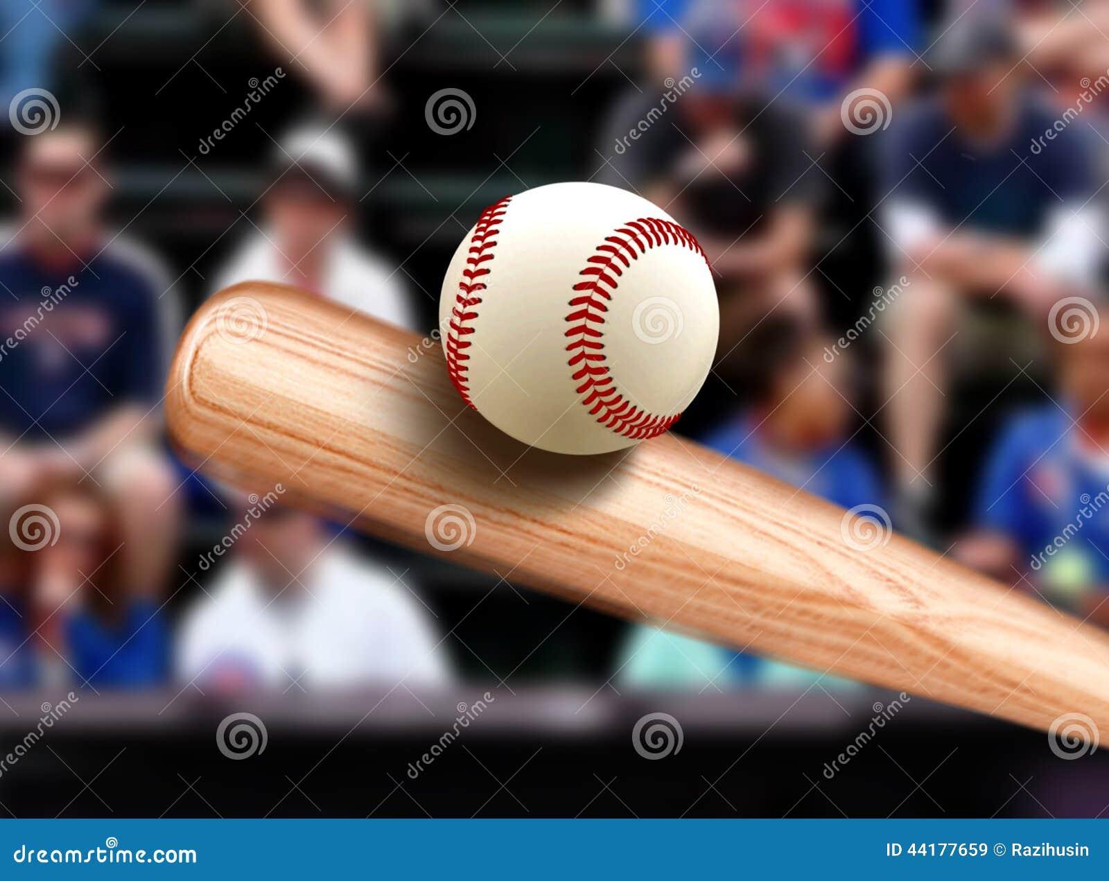 Baseballslagträ som slår bollen
