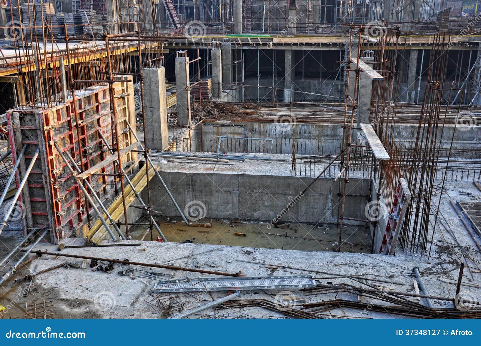 Baserade kolonner och plattor