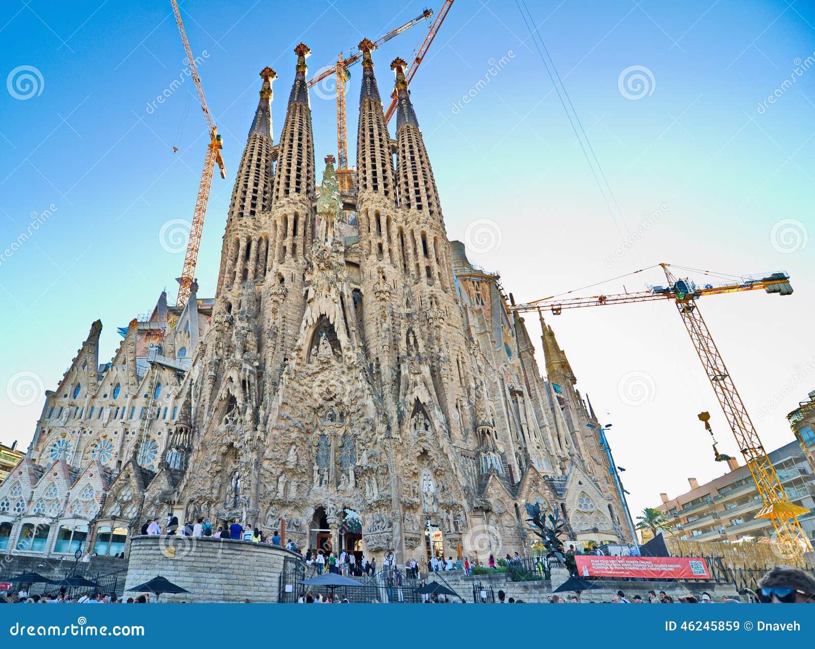The basilica de la sagrada familia barcelona editorial for La sagrada familia church