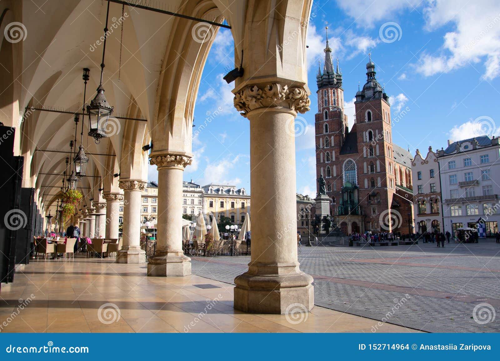 Basilica del ` s di St Mary a Cracovia