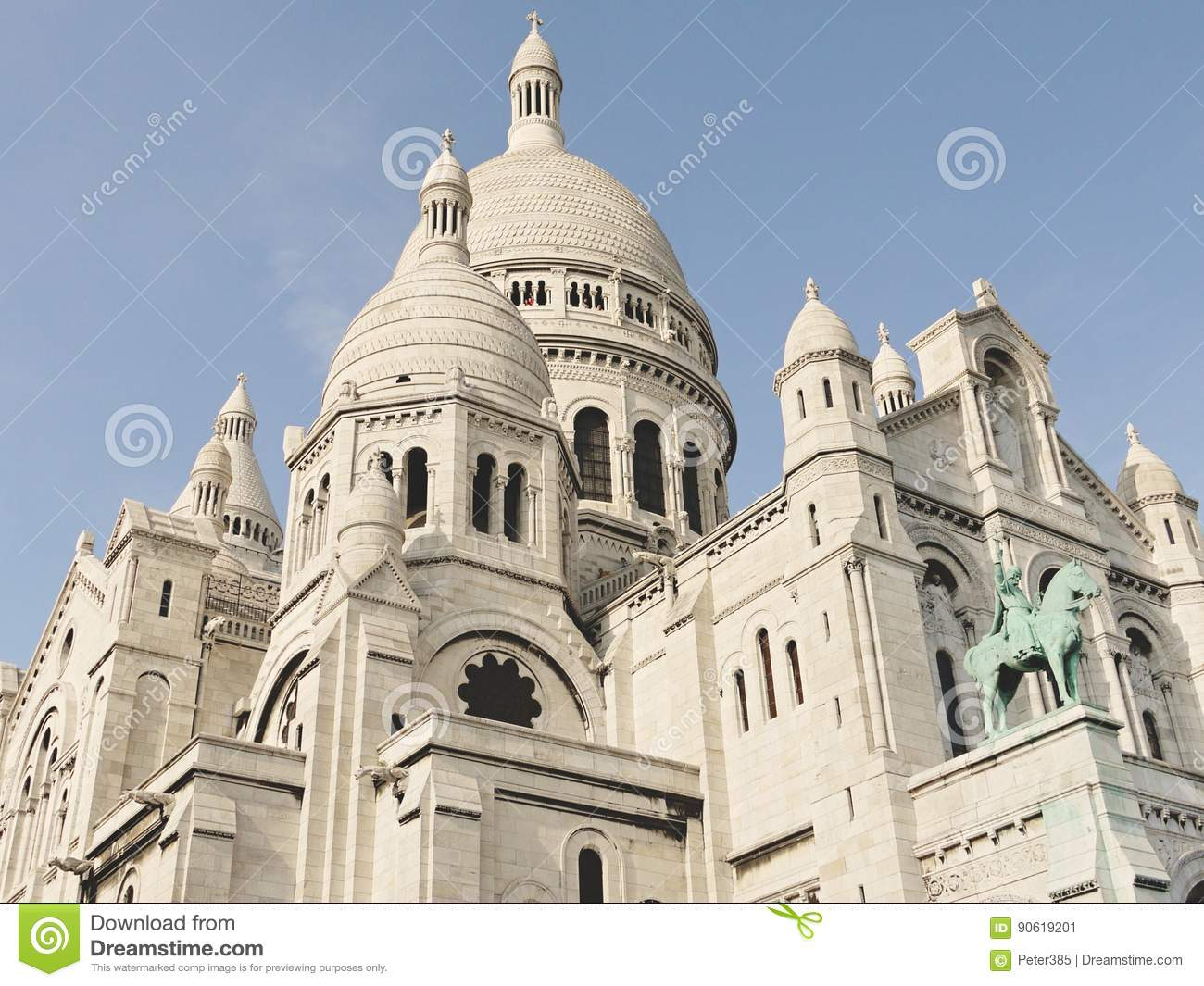 Download The Basilica of the Sacred editorial photo. Image of montmartre - 90619201