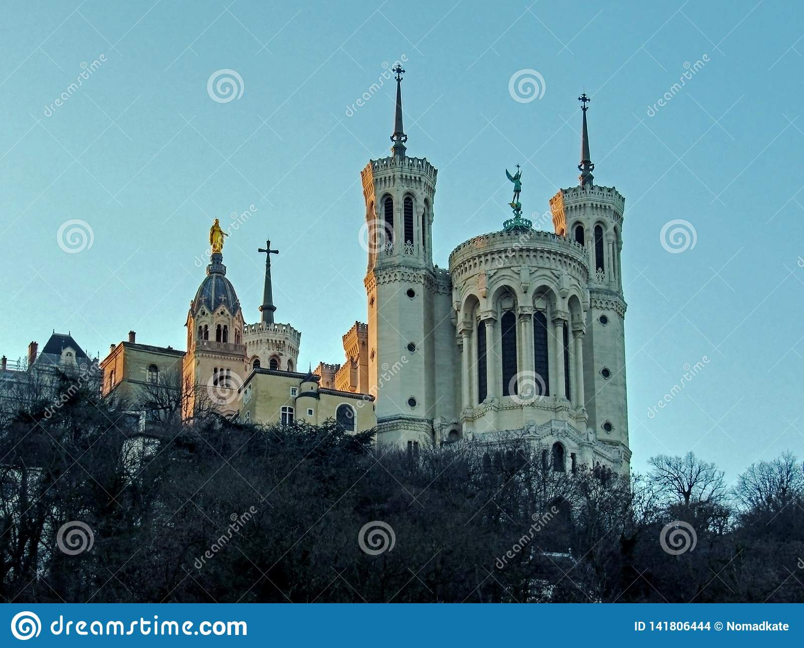Basiliek van Notre-Dame DE Fourviere op de bovenkant van Fourviere-Heuvel in Lyon, Rhône-Alpes, Frankrijk