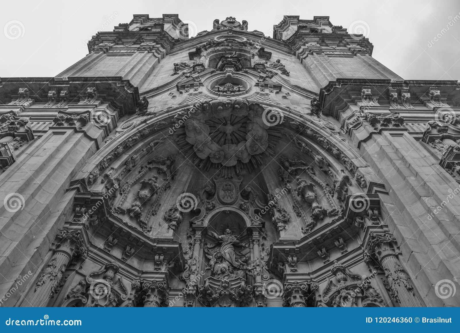 Basilique de Santa Maria del Coro dans San Sebastian, Donostia, dans un jour nuageux, l Espagne