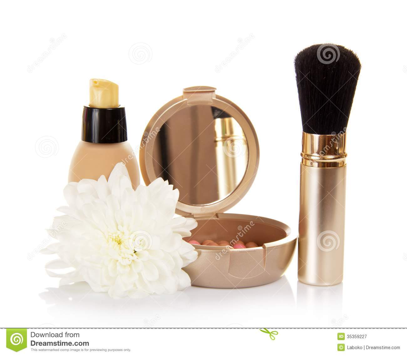 Basis For Cosmetics And Chrysanthemum Flower Royalty Free Stock graphy