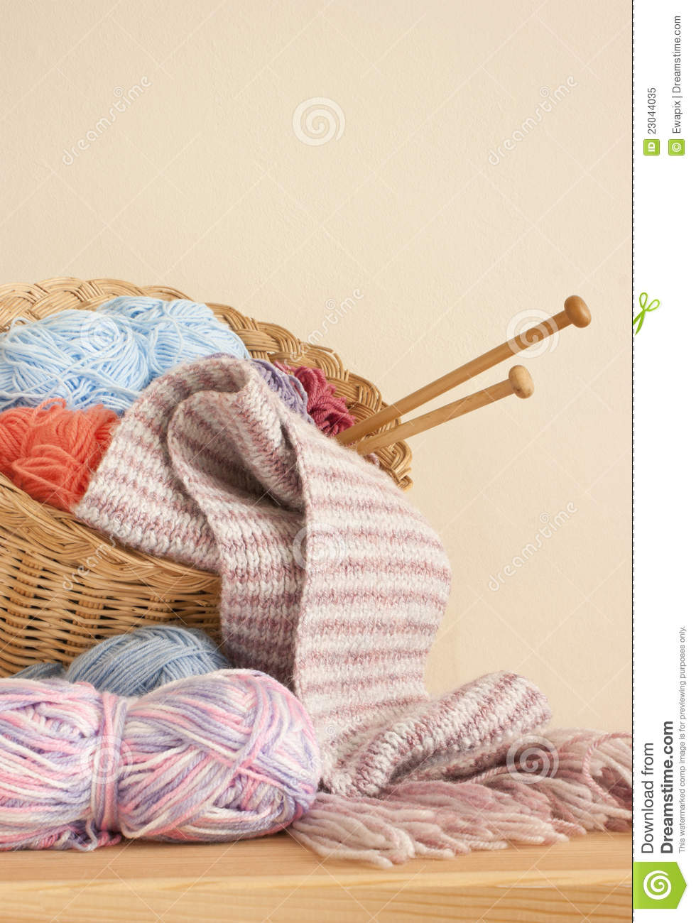 Knitting Needles On The Knitted Background Stock ...