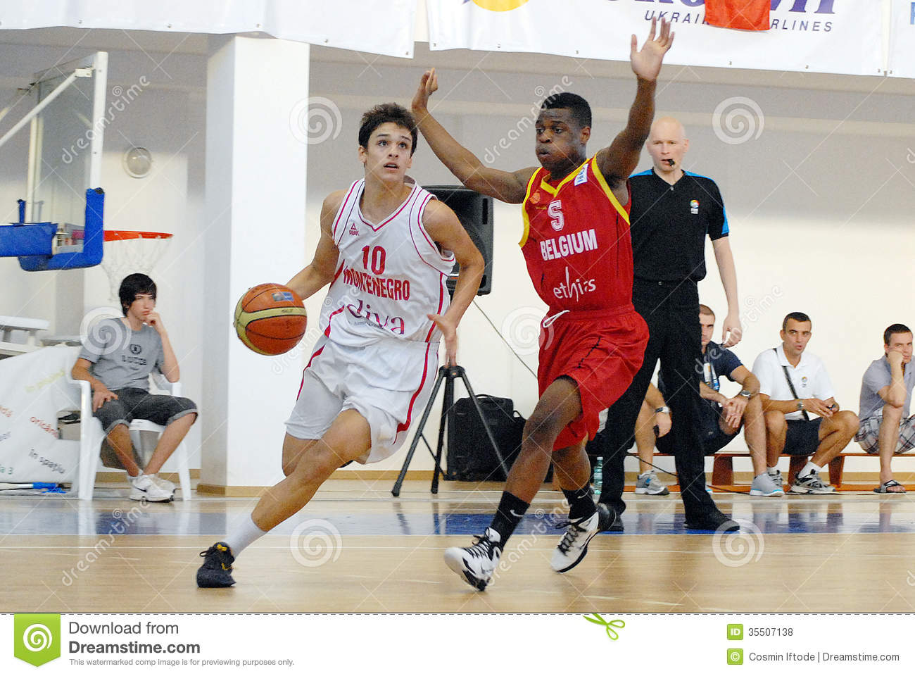Basketball Players In Action Editorial Stock Photo - Image: 35507138