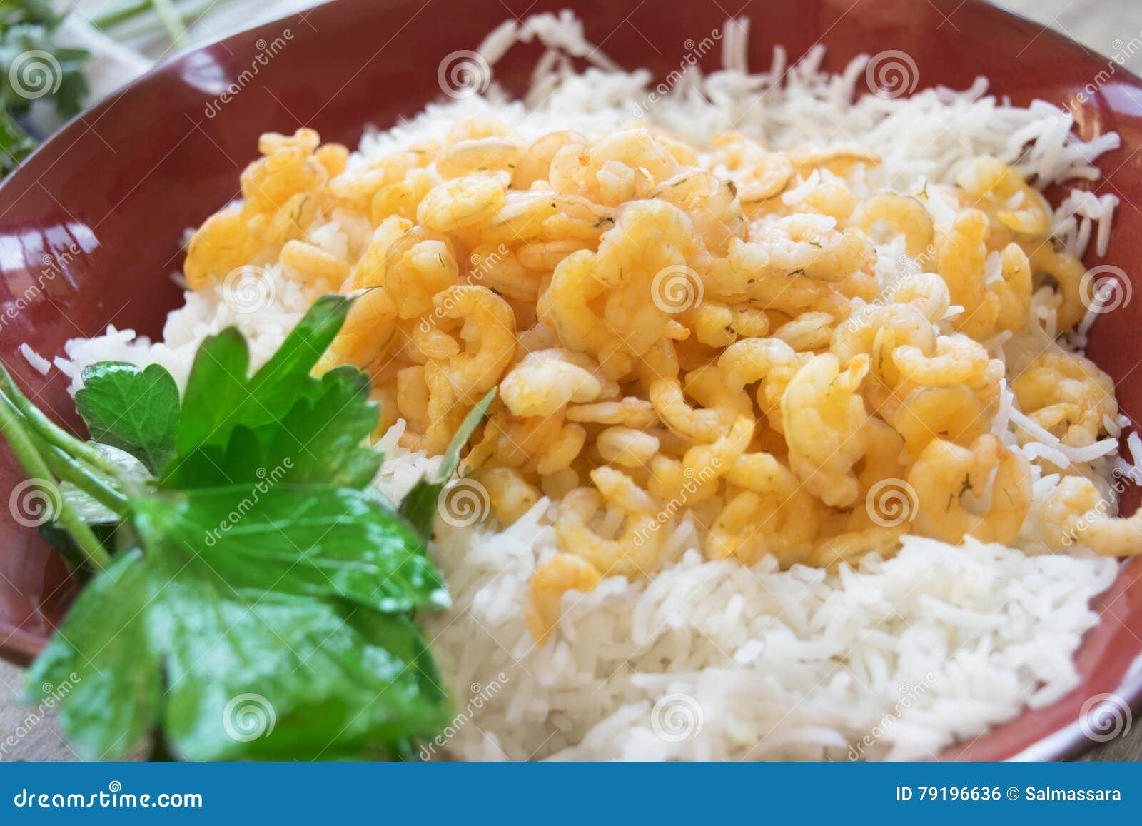 курицу, креветки, салат с креветками и рисом басмати картинки ним