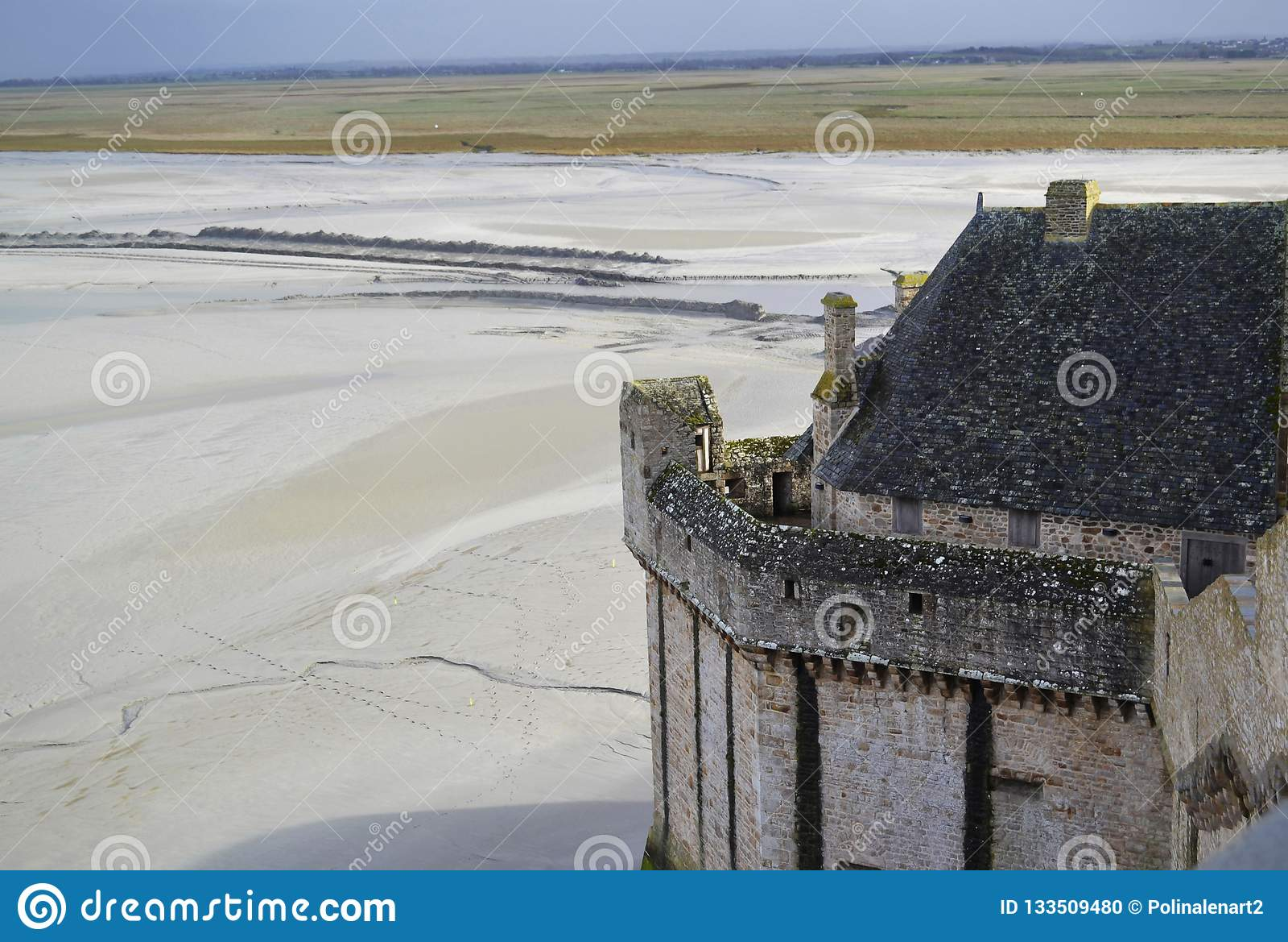 Bastioni di pietra medievali del castello del monastero