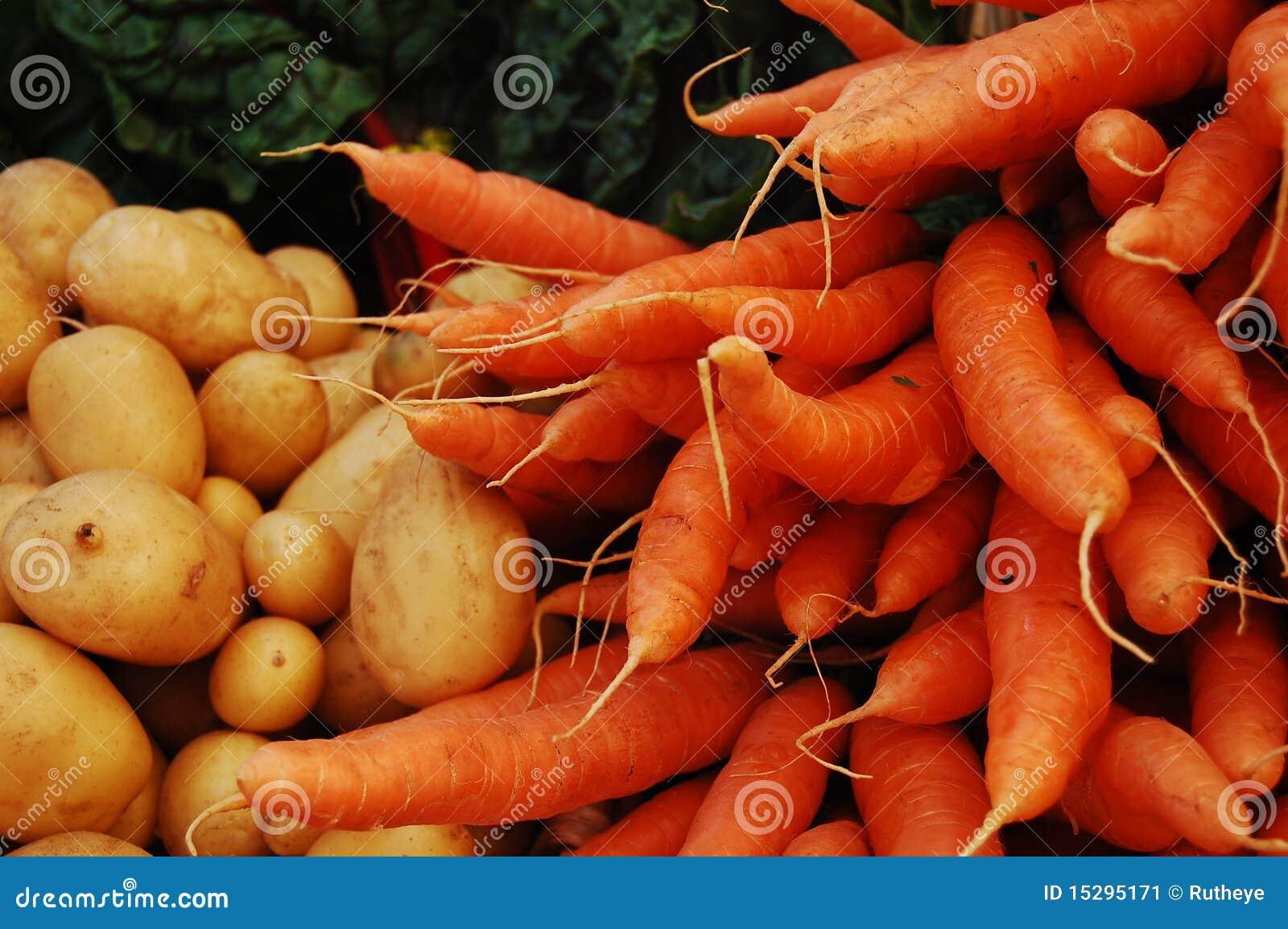 Batatas, cenouras e acelga suíça