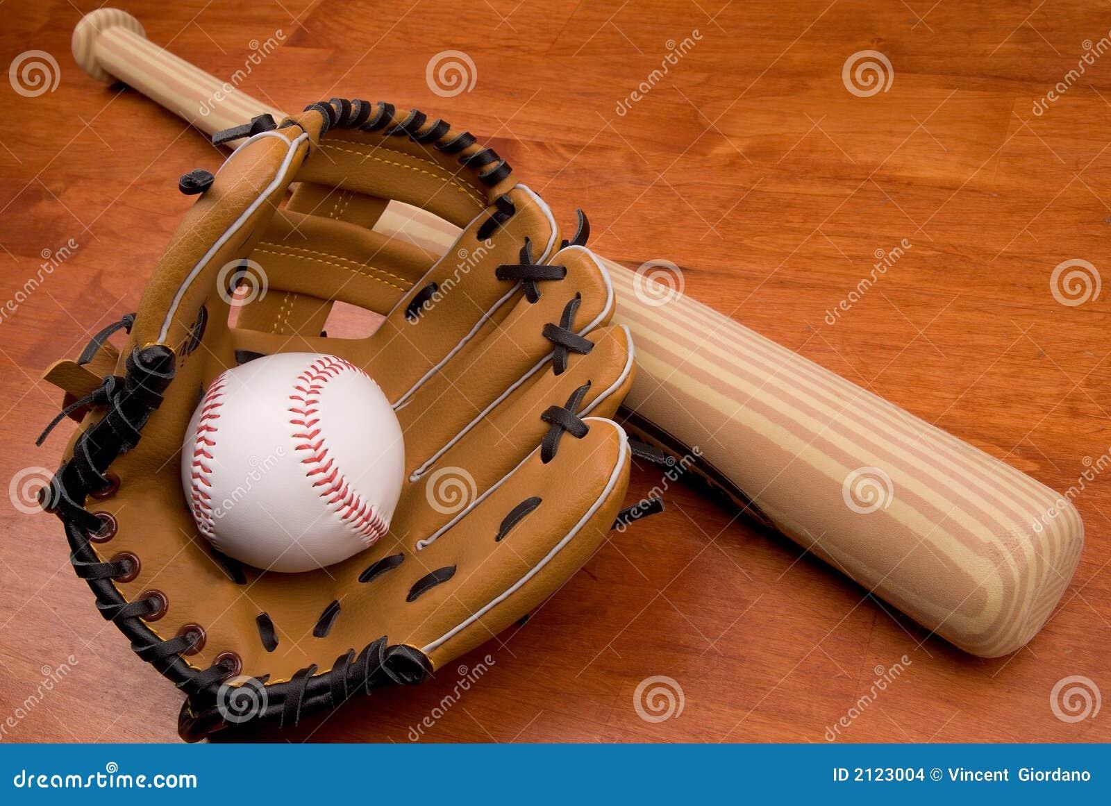 Bate De Béisbol, Mitón Y Bola Foto de archivo - Imagen de suciedad ...