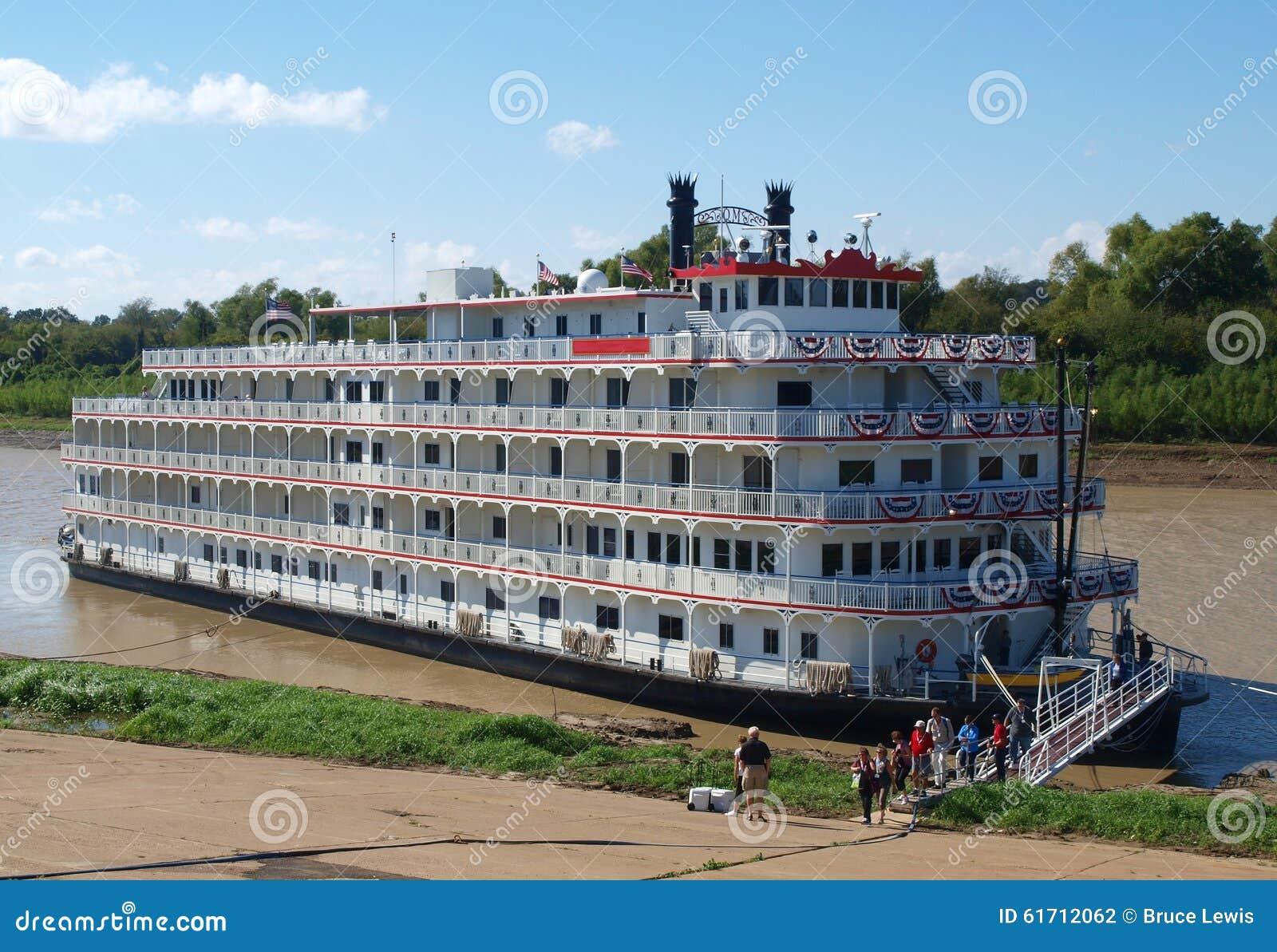 bateau vapeur sur le fleuve mississippi