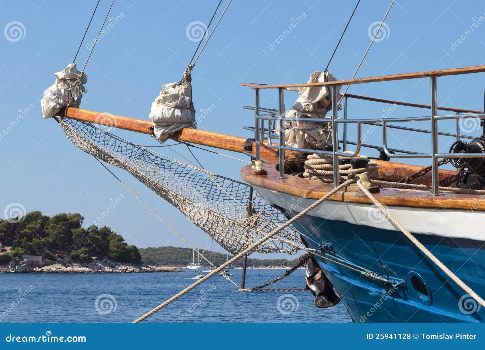 Bateau voile photos libres de droits image 25941128 - Voile bateau pirate ...