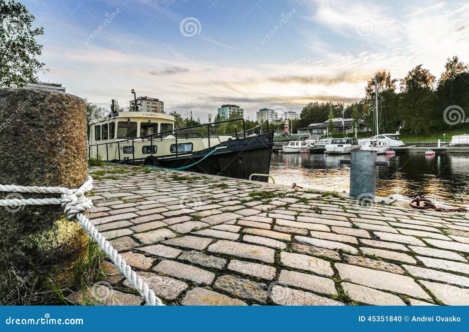 Bateau amarré à Tampere, Finlande