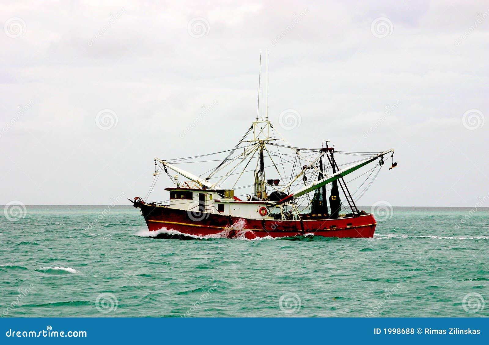Bateau atlantique de crevette