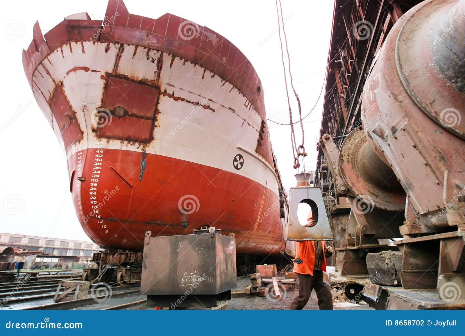 Bateau de dock