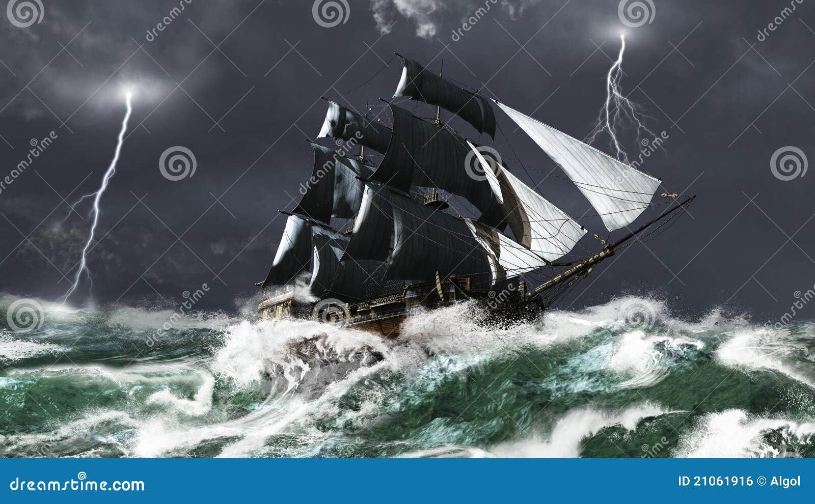 Bateau de navigation dans une tempête de foudre