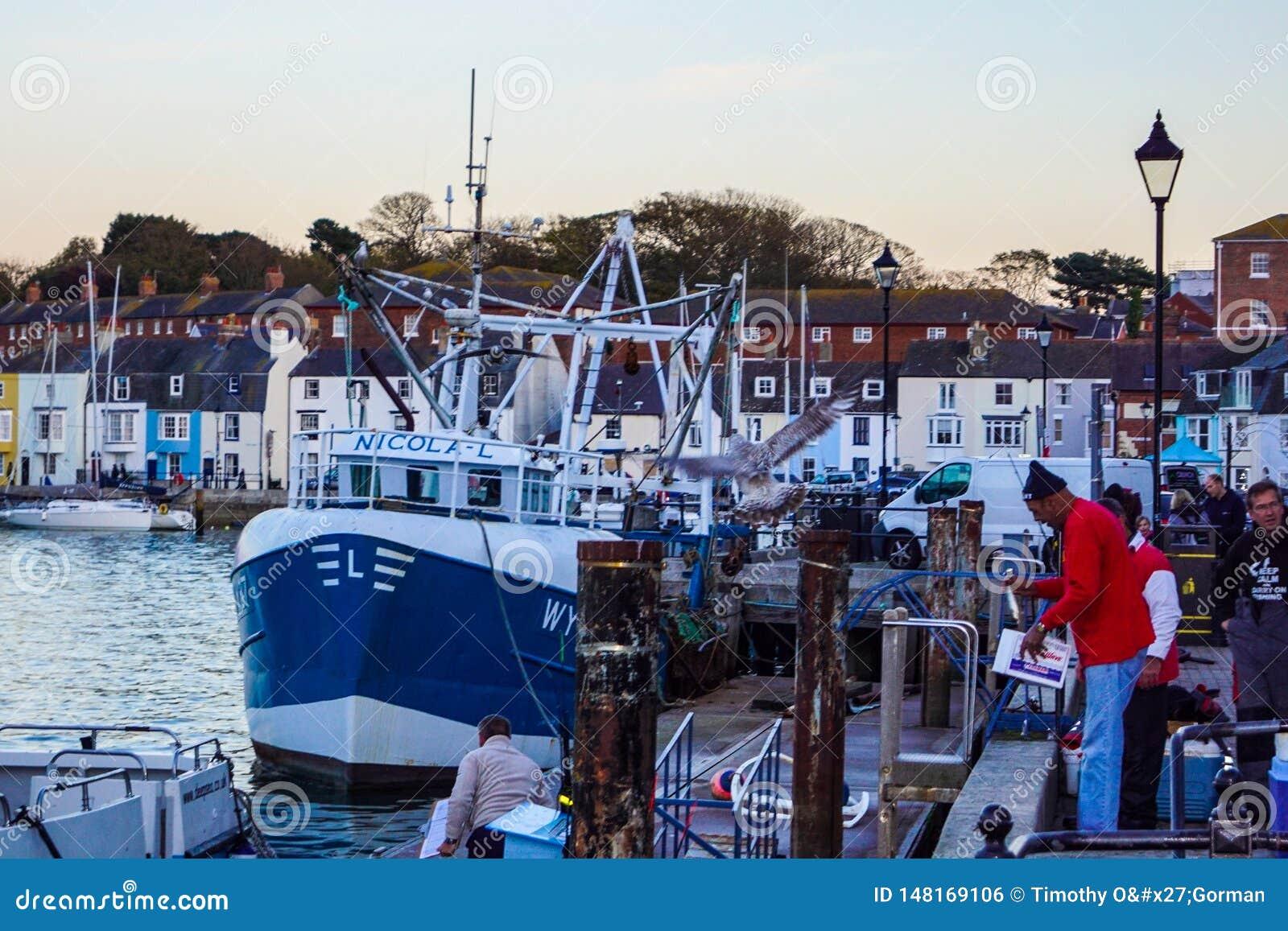 """Résultat de recherche d'images pour """"travailleurs ports pêche"""""""