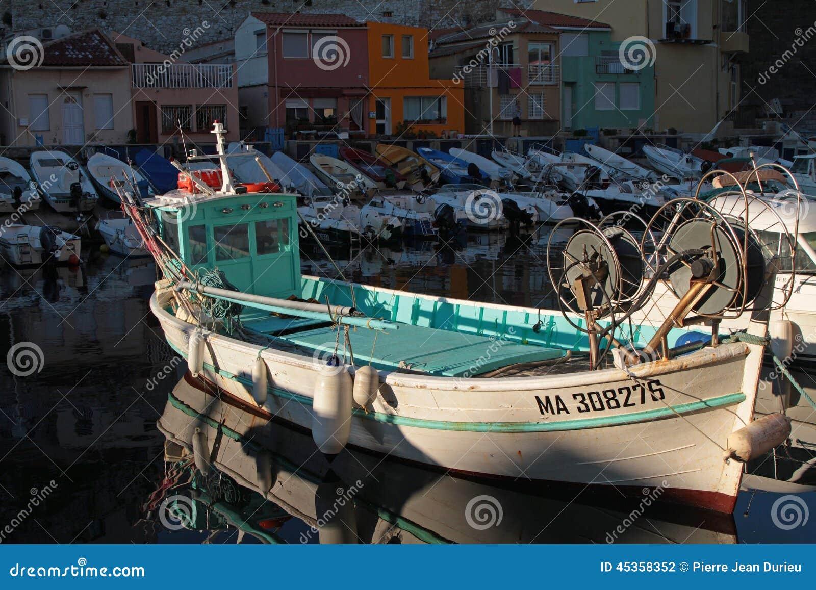 Bateau de pêche dans DES Auffes de Vallon