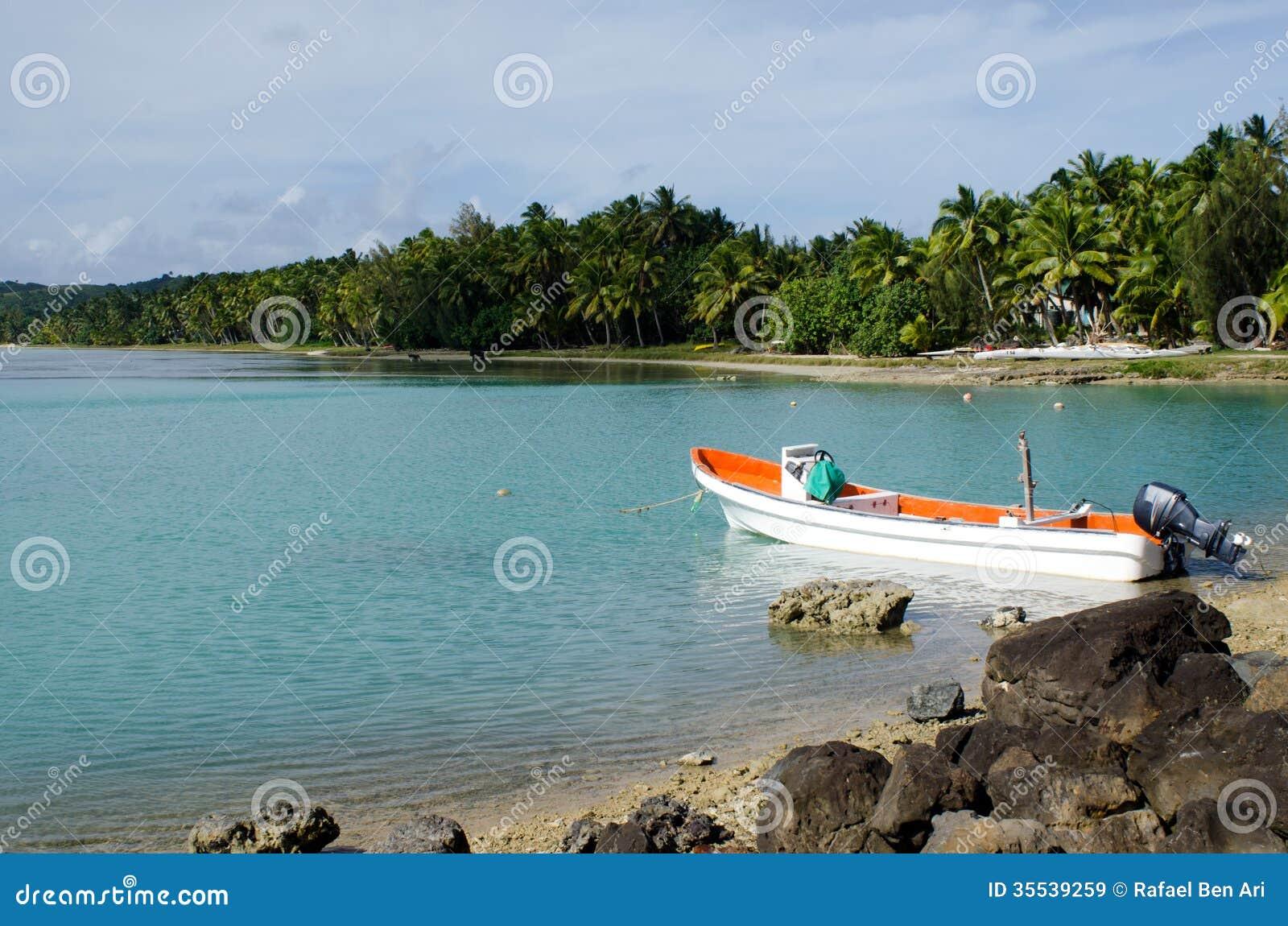 Bateau de p che dans le cuisinier islands de lagune d for Cuisinier bateau