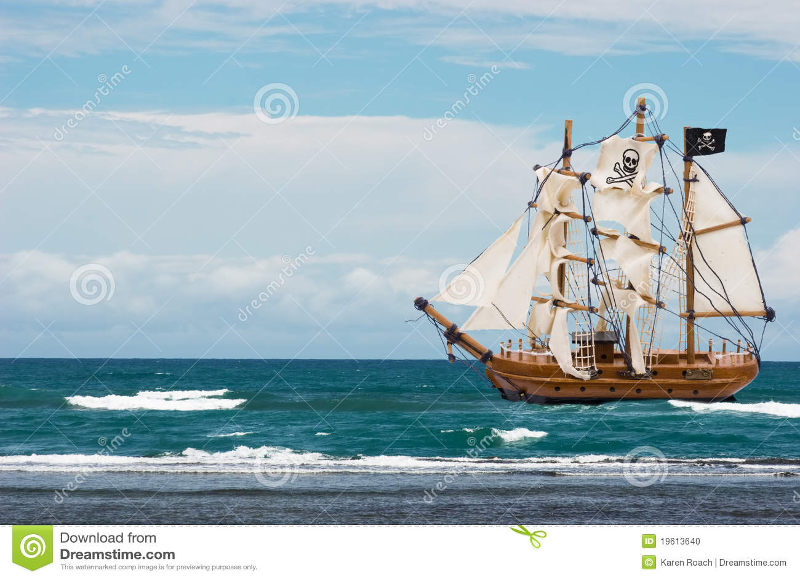 Bateau de pirate photo stock image du sunlight chaud - Photo de bateau pirate ...