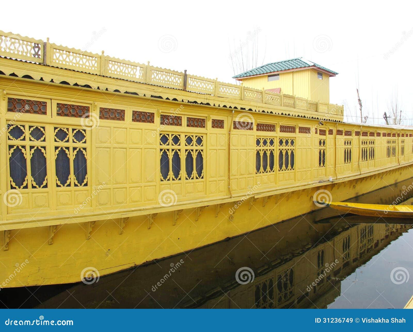 bateau maison srinagar cachemire image stock image du inde indien 31236749. Black Bedroom Furniture Sets. Home Design Ideas