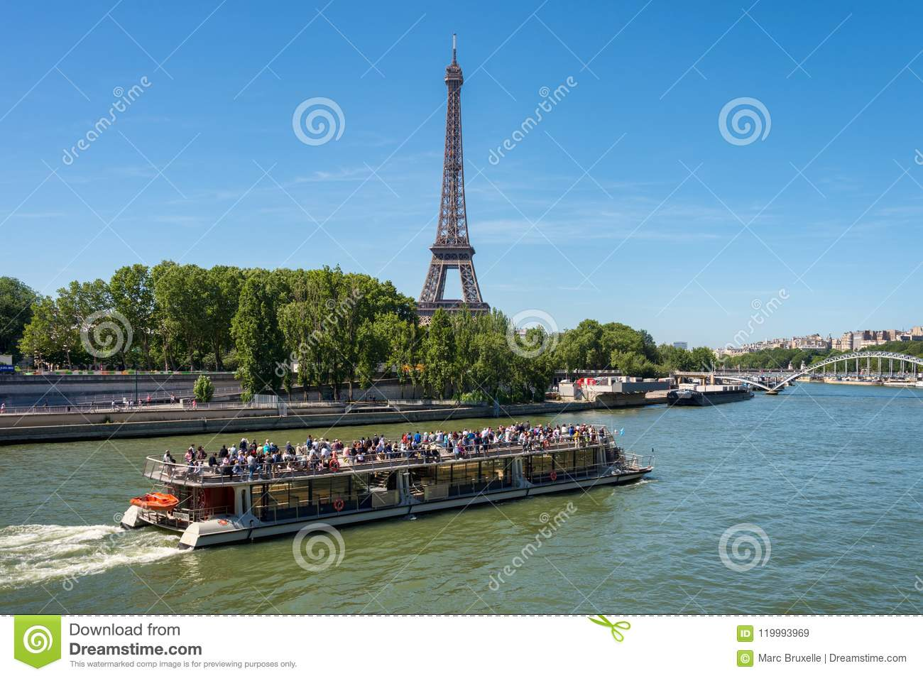 Bateau Mouche On The Seine River With Eiffel Tower In The Background Editorial Stock Image Image Of Architecture Pleasure 119993969