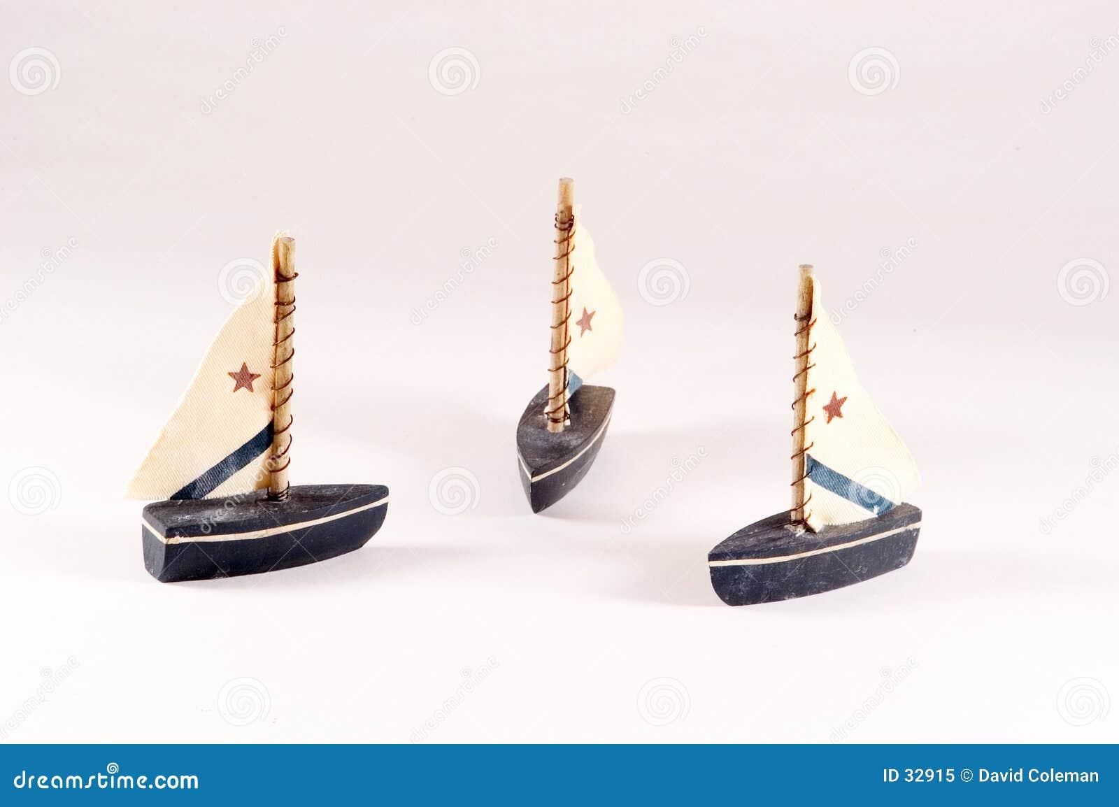 Bateaux à voiles décoratifs