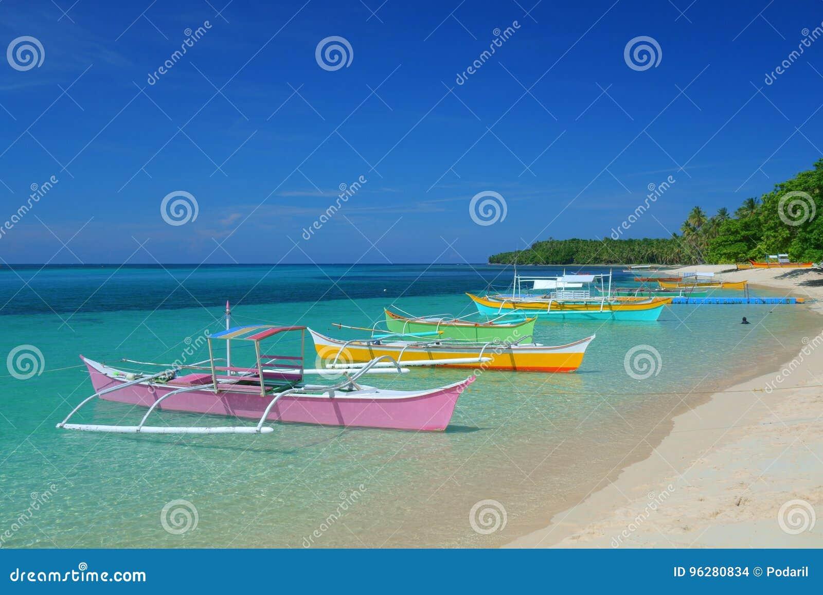 Bateaux colorés