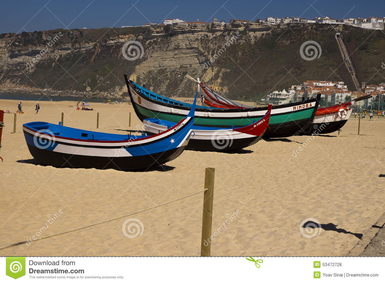 bateaux de p che nazare portugal photo stock ditorial. Black Bedroom Furniture Sets. Home Design Ideas