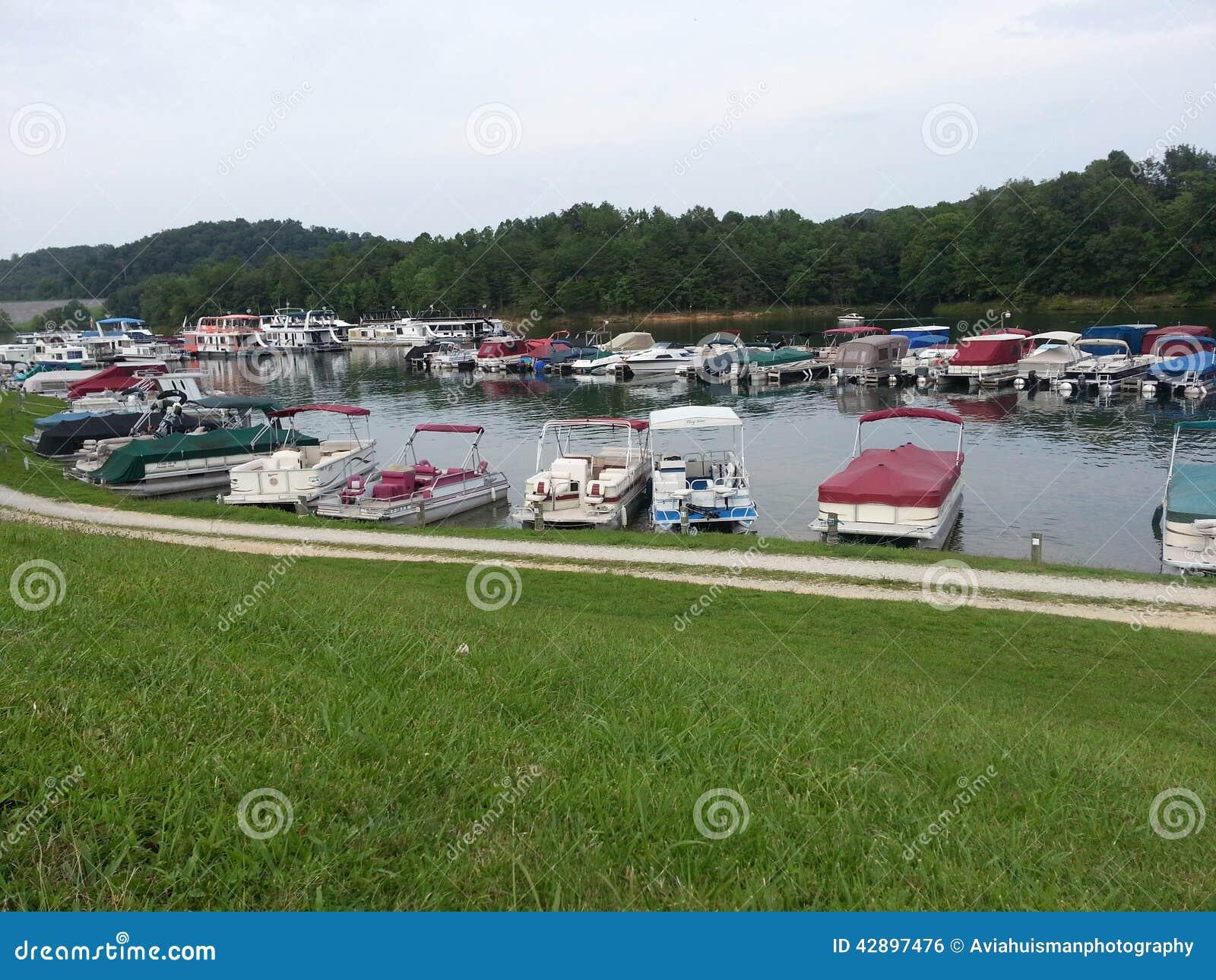 Bateaux de ponton