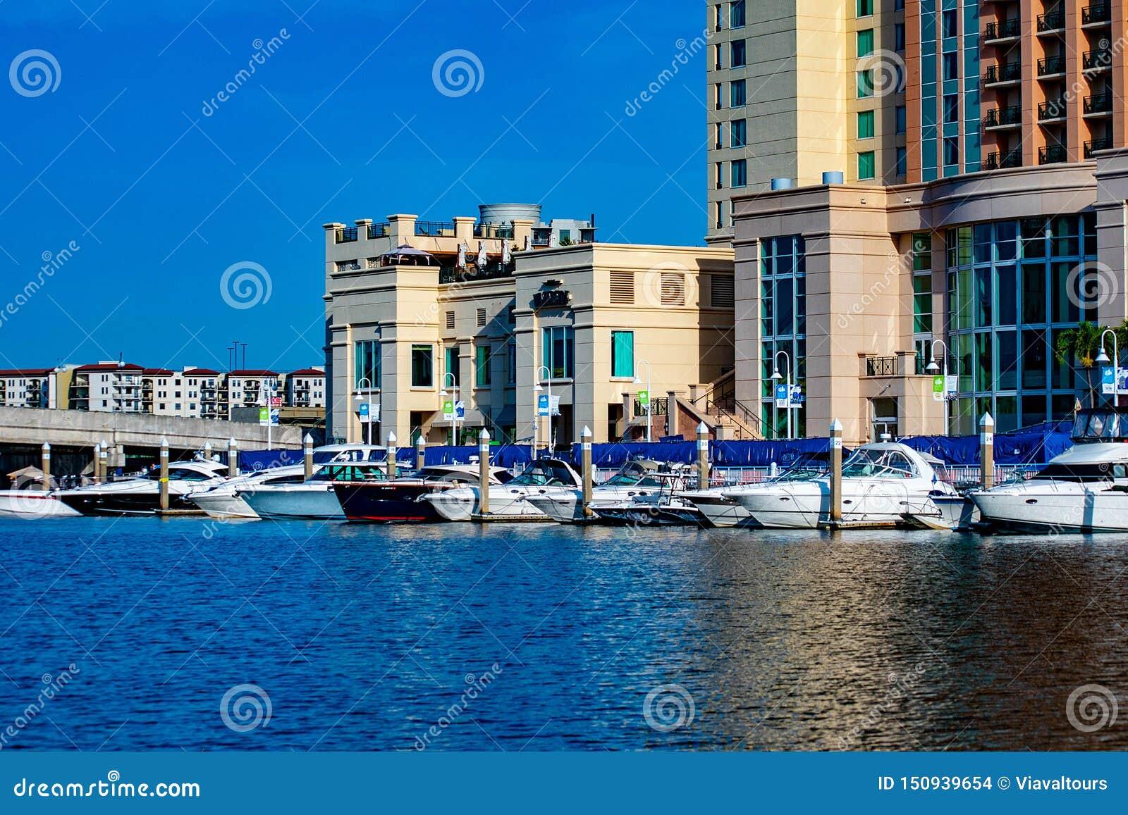 Bateaux et hôtel de luxe de rue de l eau de Marriott sur la rivière 1 de Hillsborough