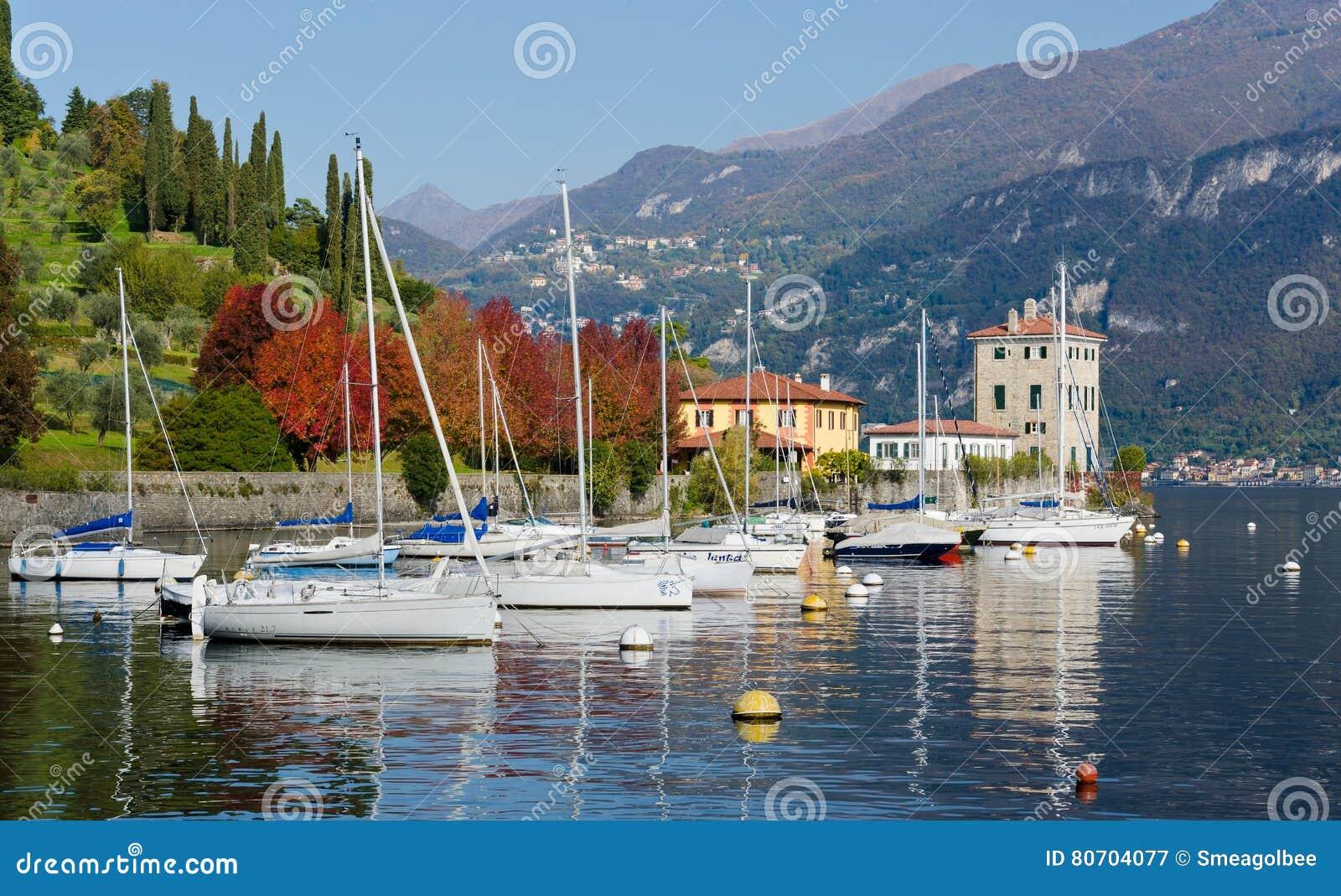 Bateaux sur le lac Como