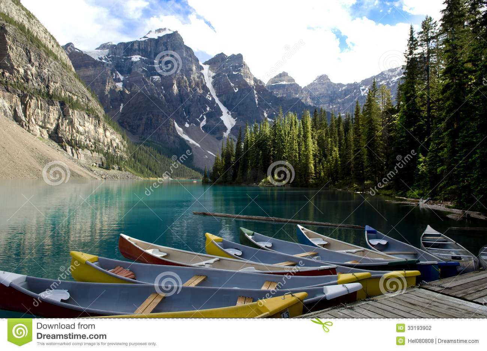 Bateaux sur le lac moraine, Canada