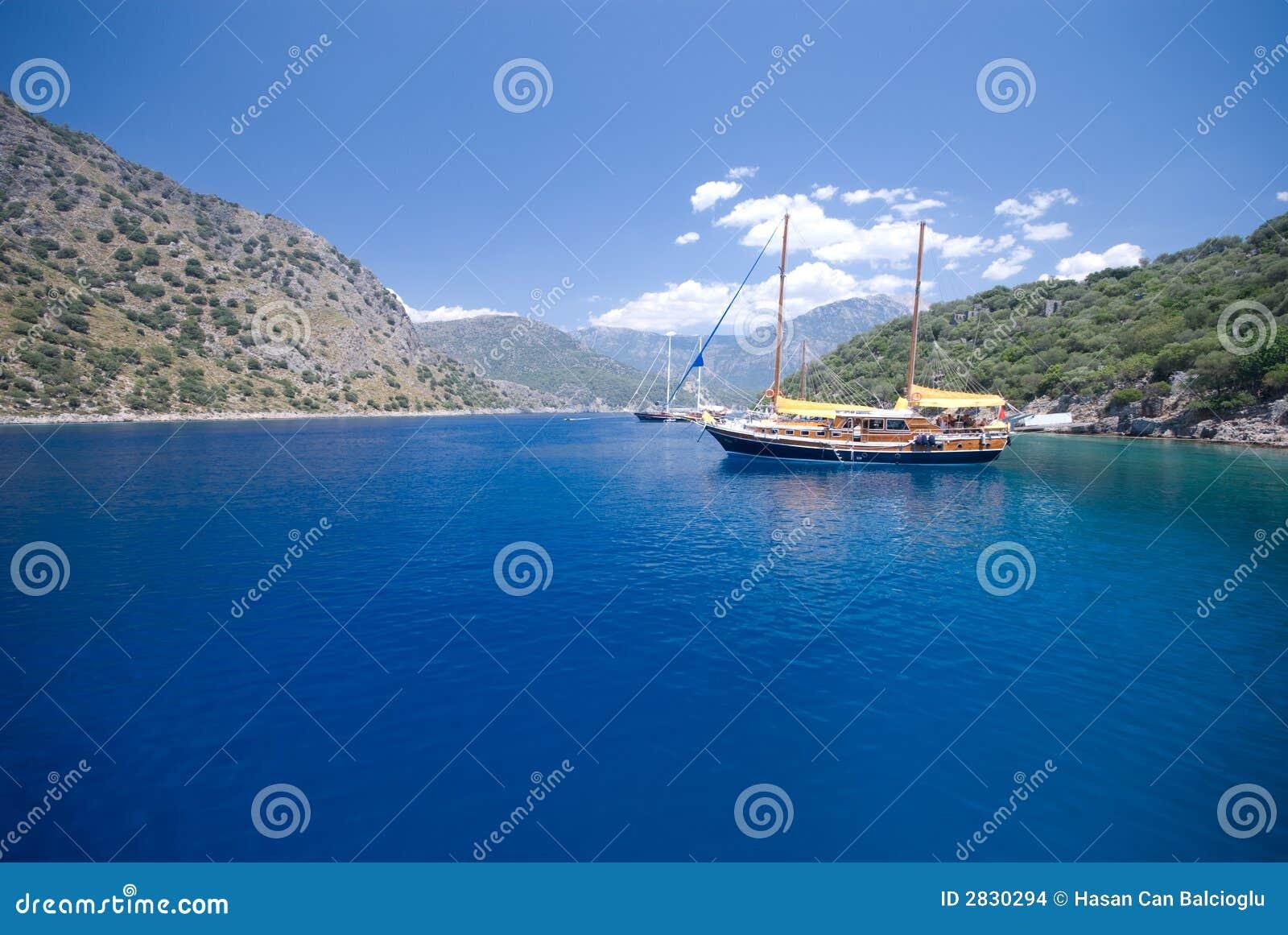 Bateaux sur le méditerranéen