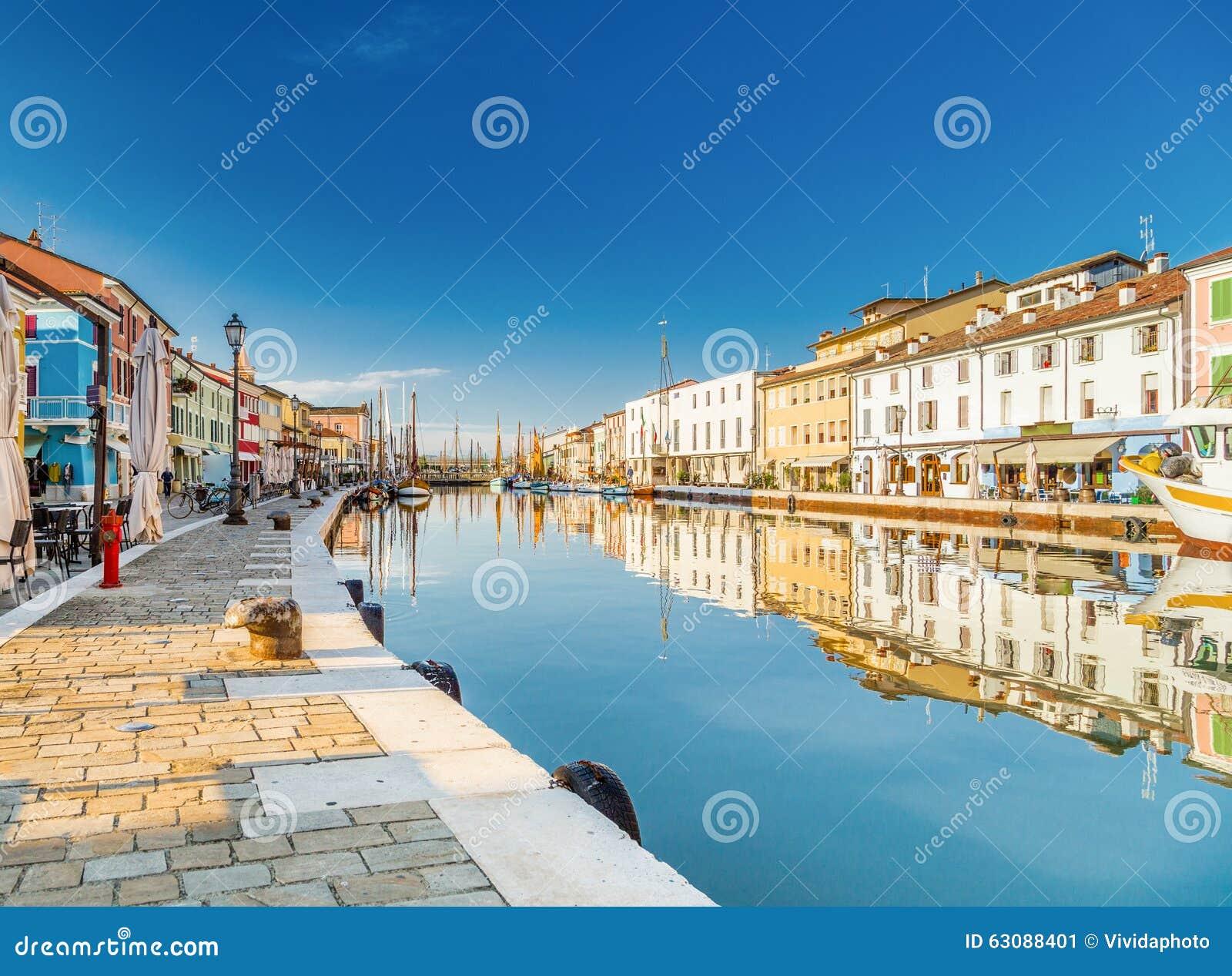 Download Bateaux Sur Le Port Italien De Canal Image stock - Image du amarré, sailboat: 63088401