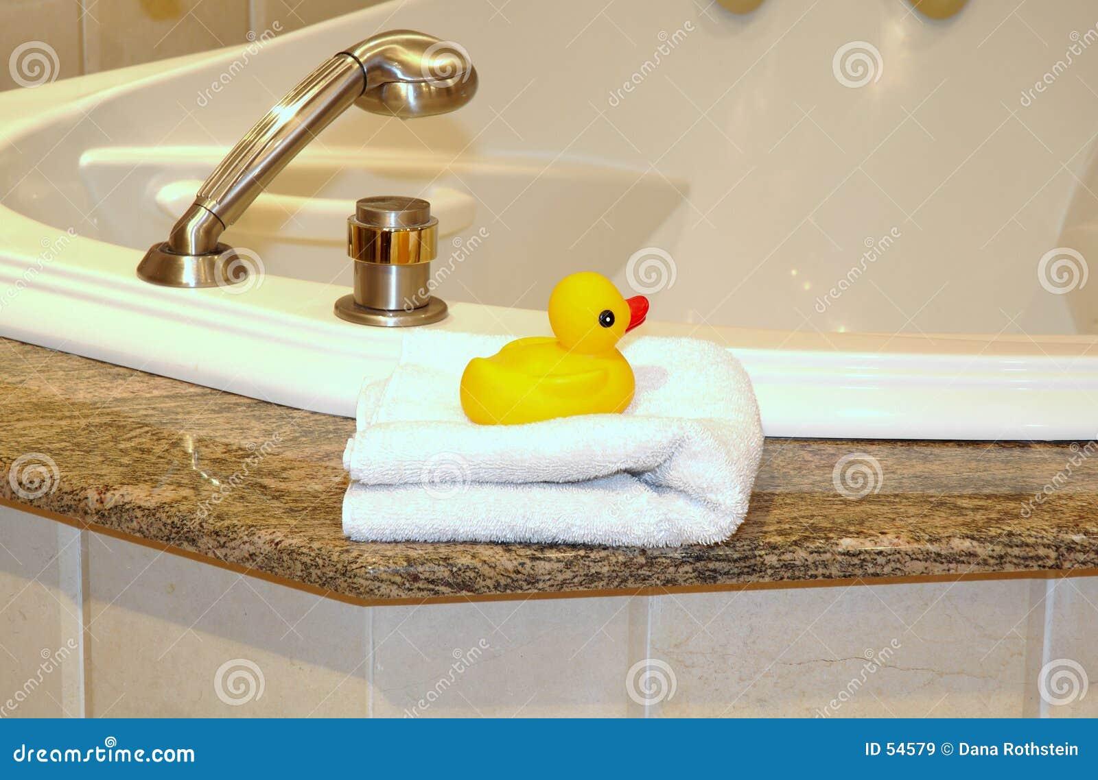 Download Bath image stock. Image du robinet, main, lavage, douche - 54579