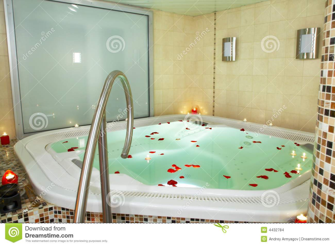 Bath of a jacuzzi stock photo. Image of heat, green, rose - 4432784