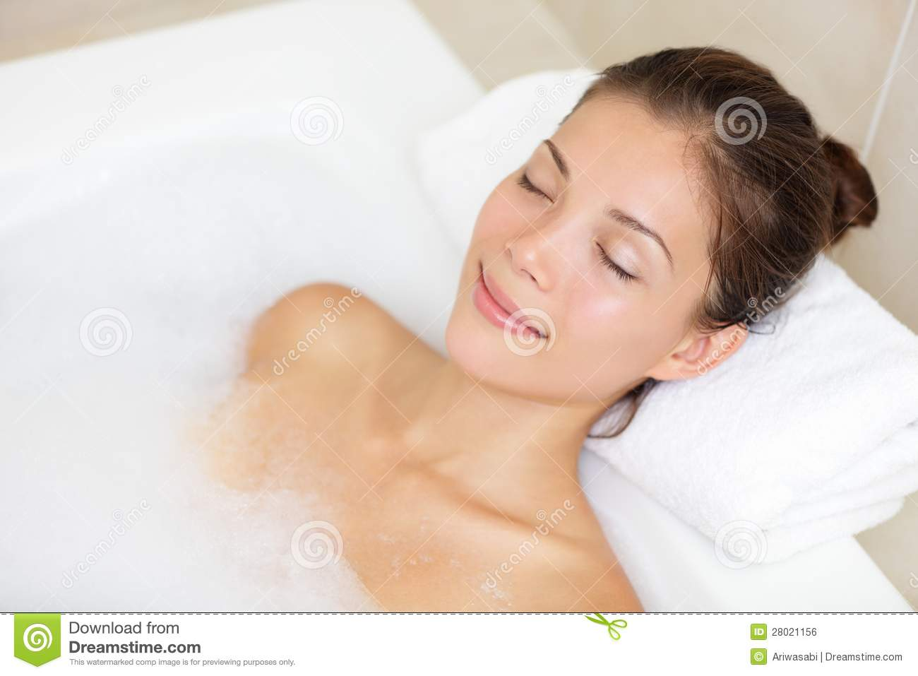 bathing woman relaxing in bath stock photo   image 28021156