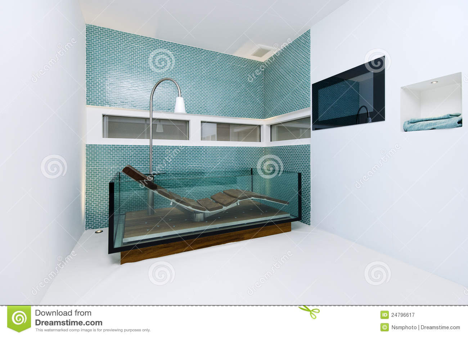 Bathoom straordinario del progettista con la vasca da bagno di vetro immagine stock immagine - Mosaico vetro bagno ...