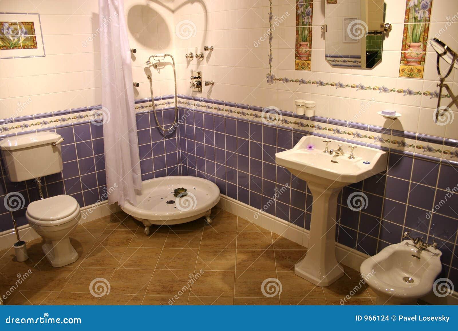 Трусики а ванной комнате фото 7 фотография
