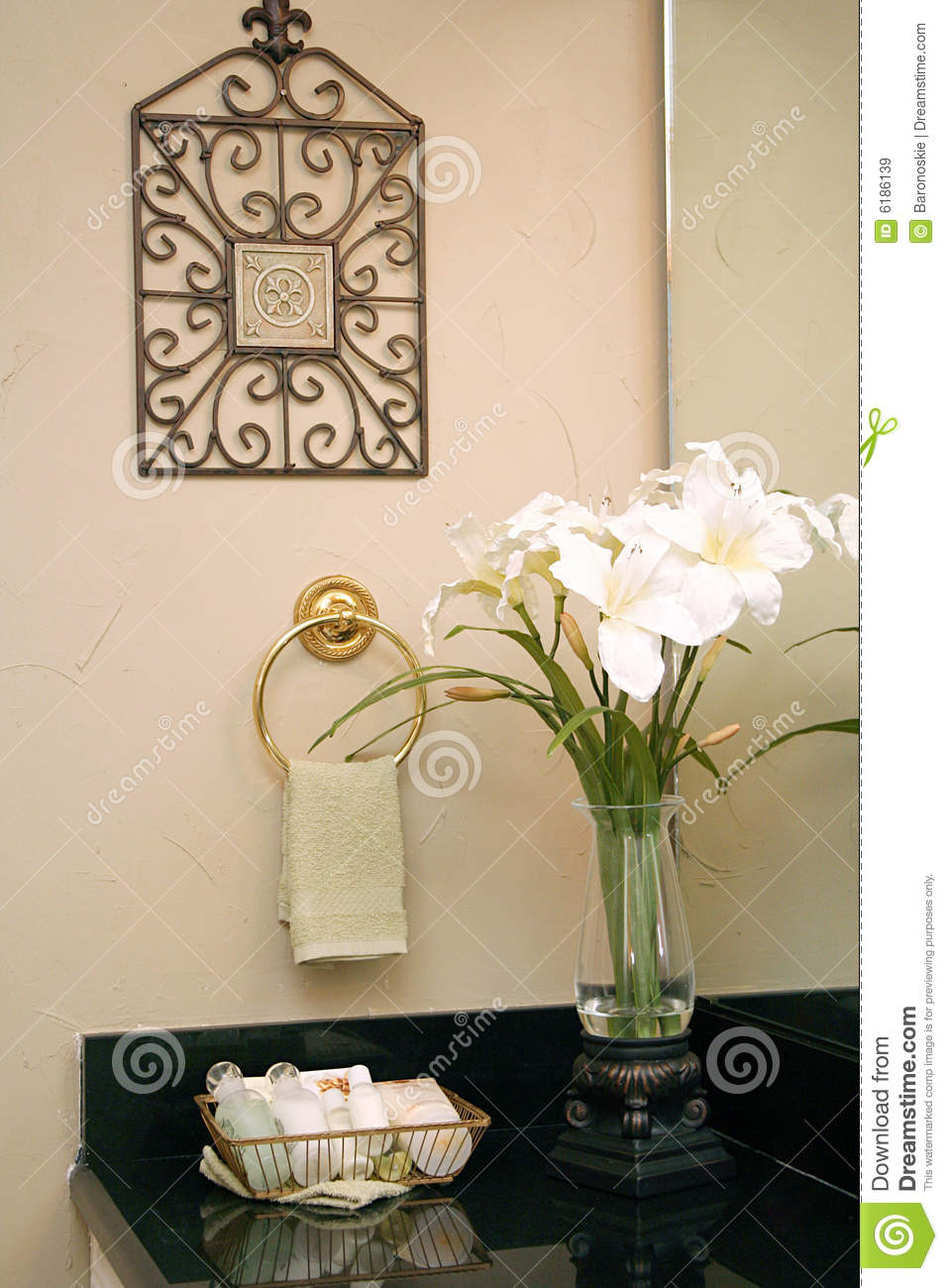 bathroom decor royalty free stock images - image: 6186139