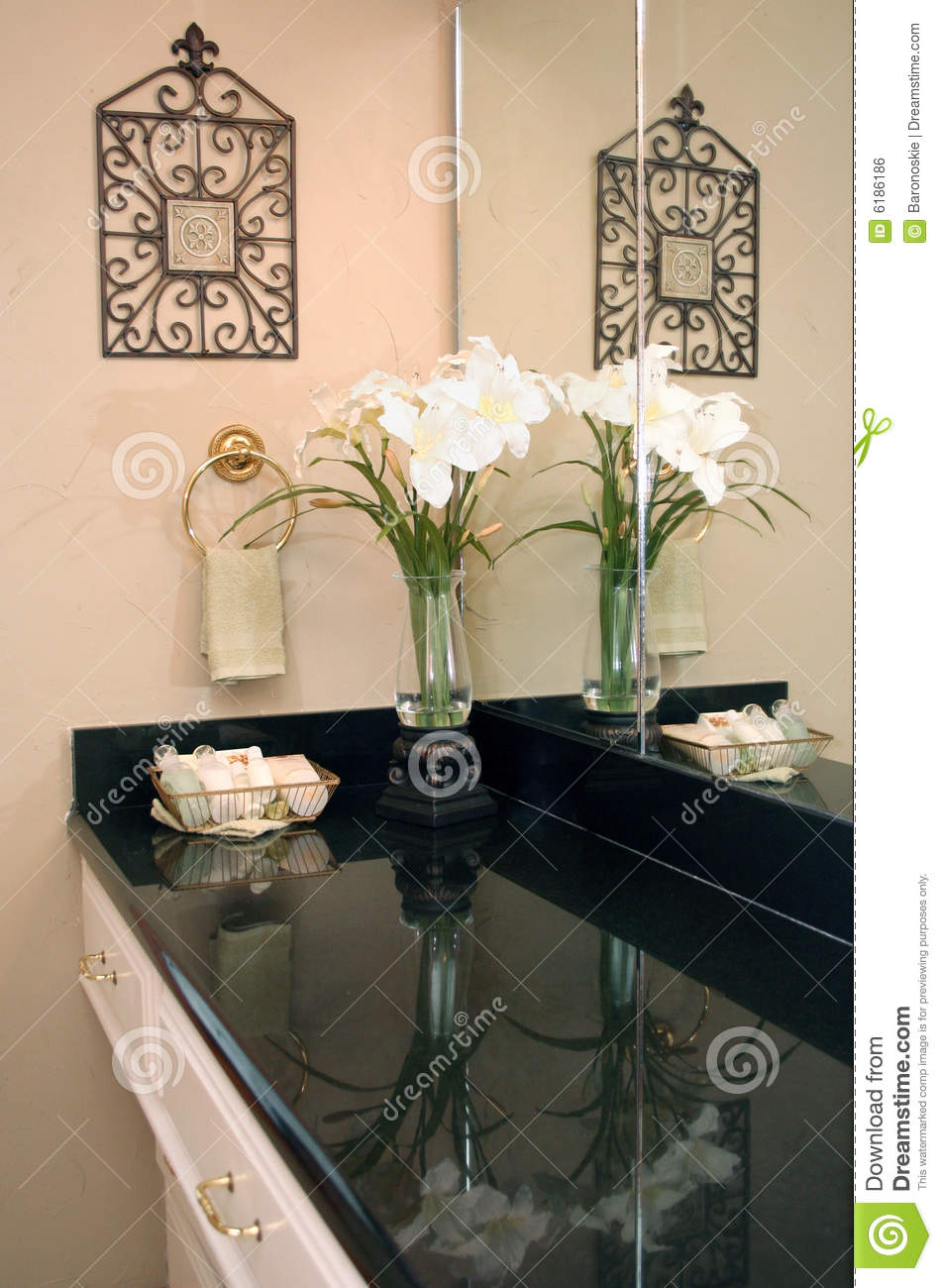 bathroom decor royalty free stock image - image: 6186186