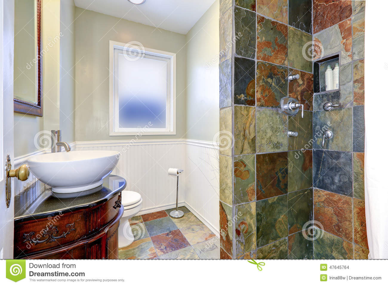 Bathroom Interior Iwth Colorful Tile Wall Trim