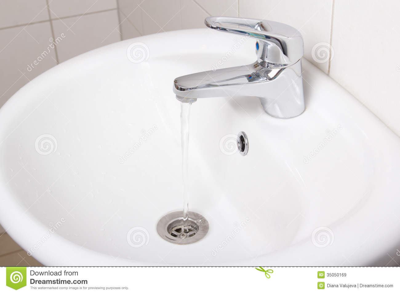 White Faucet Bathroom : Bathroom Interior With White Sink And Faucet Royalty Free Stock Images ...