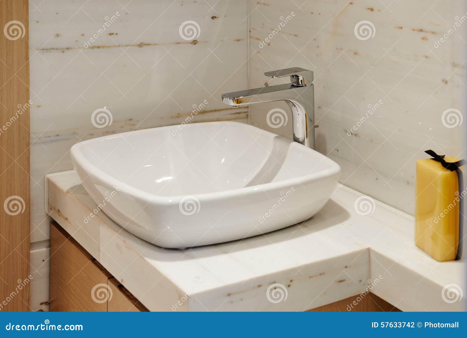 Fuchs im lavabo gefunden fm today