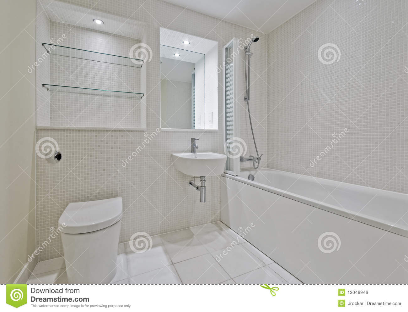 Bathroom With Mosaic Tiles Royalty Free Stock Image