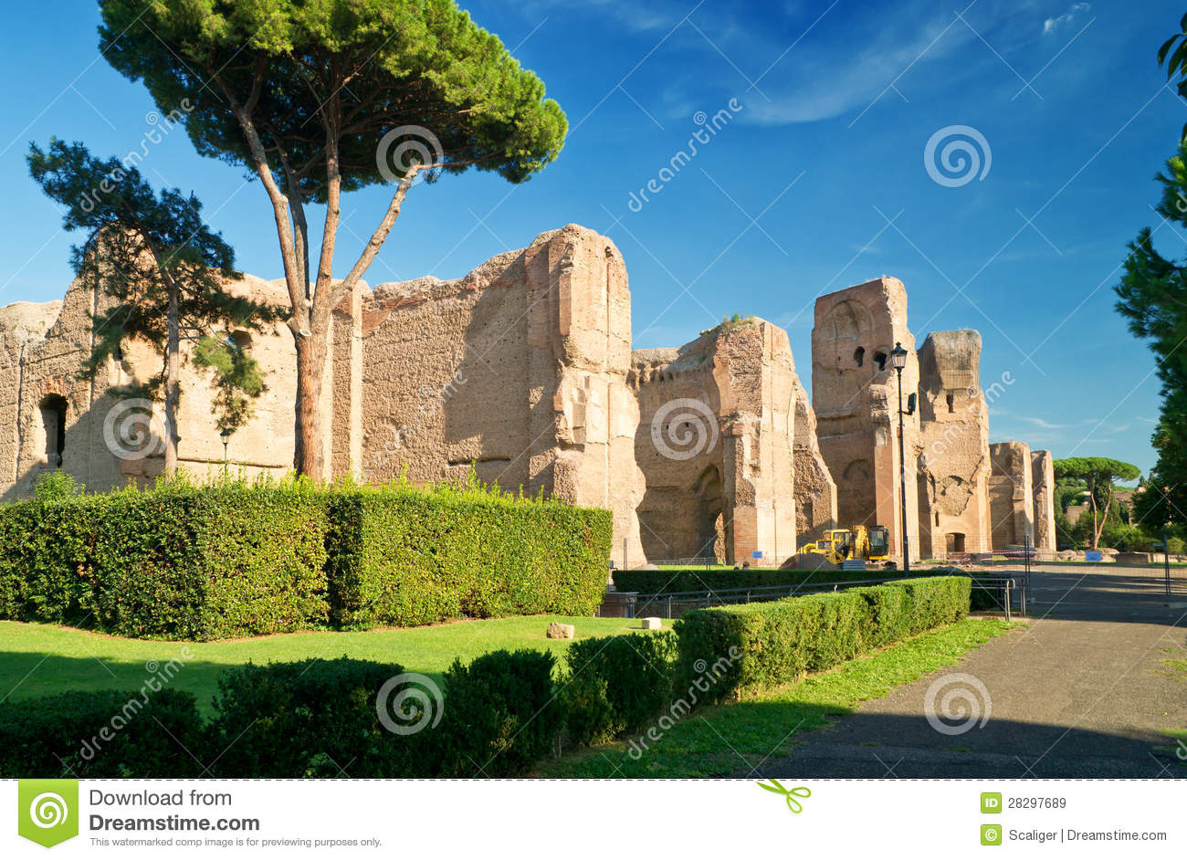a look at rome and the famous monument the baths of caracalla Not far from the circus maximus and the colosseum, at the foot of the aventine hill, the baths of caracalla are one of the largest and most fascinating monumental.