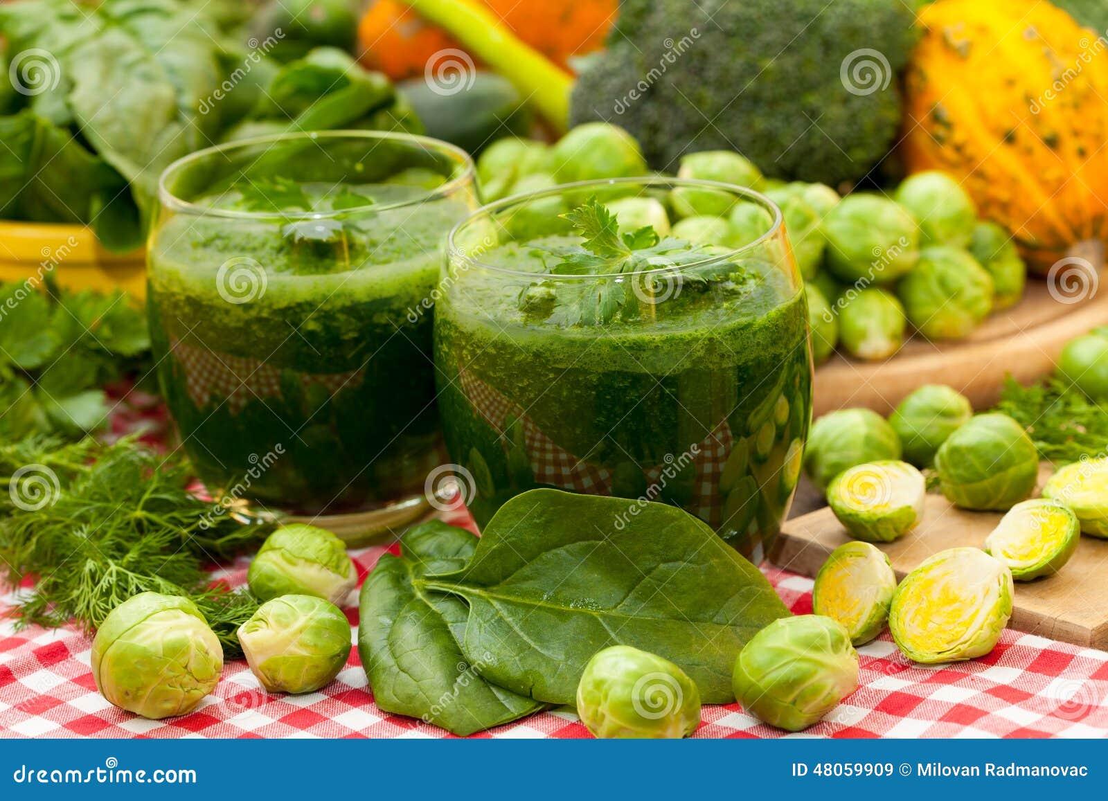 Batidos e vegetais dos espinafres