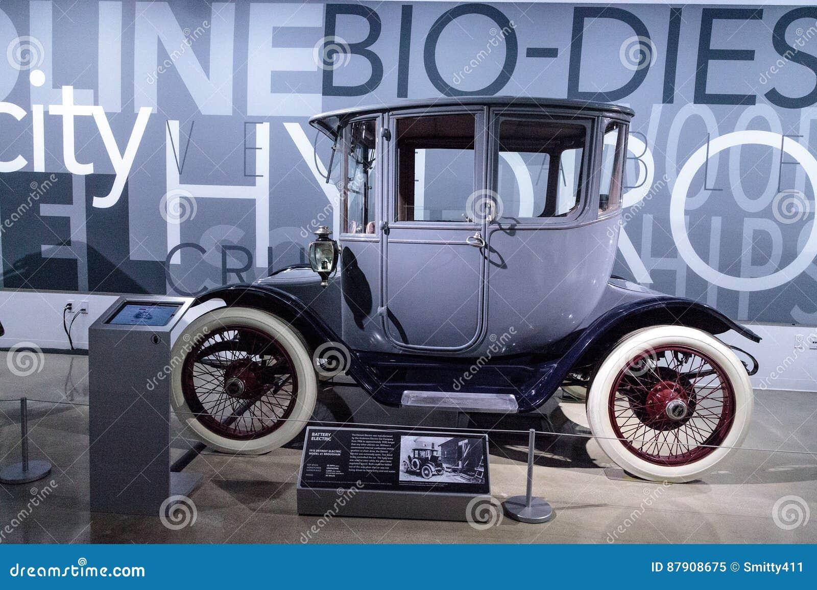 1915  1:43  CMF *NEW* blau//schwarz Detroit Electric