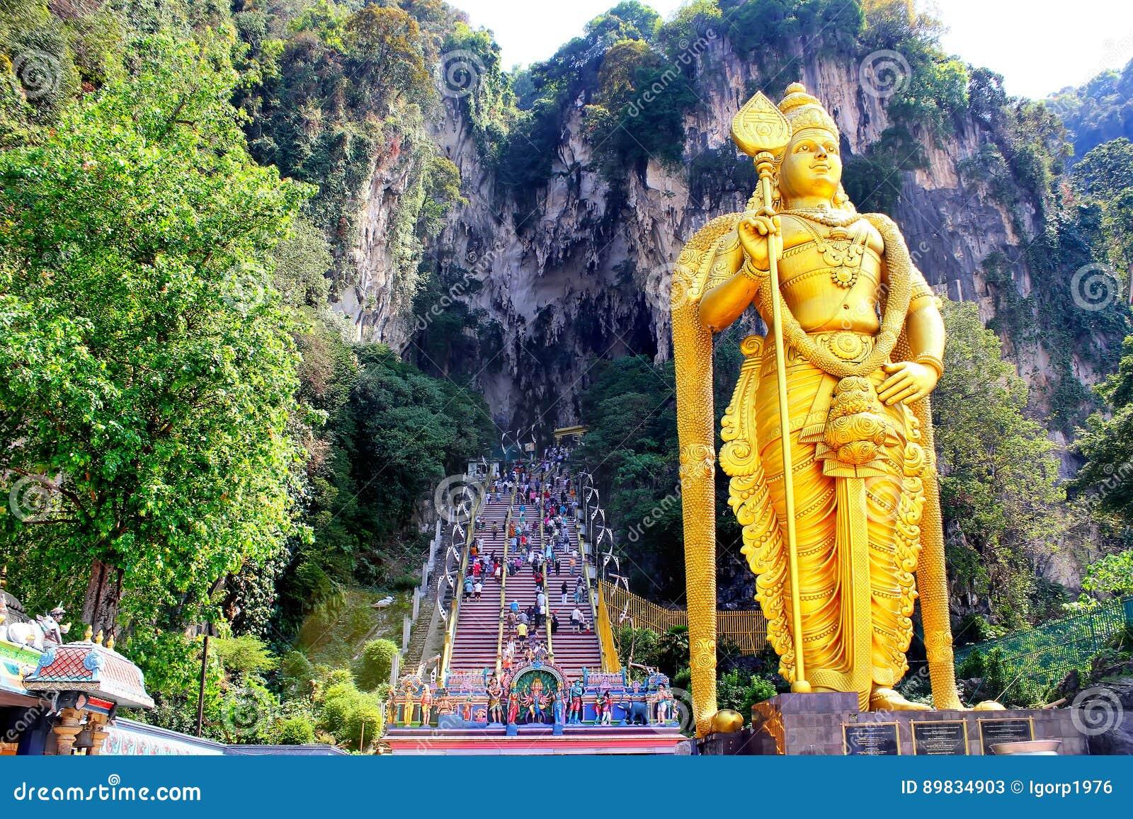 Batu grottor staty och ingång nära Kuala Lumpur, Malaysia